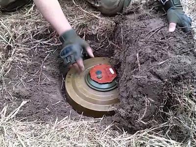 Боевики «ЛНР» ожидают наступление украинских военных на Кадиевку и скрытно минируют местность — «ИС»