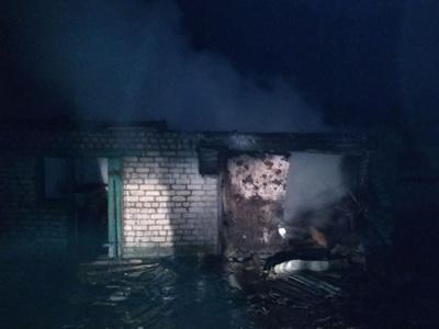 Восемь раненых и десятки разрушенных домов: штаб АТО поделился первым кадром из пережившего ад Новолуганского