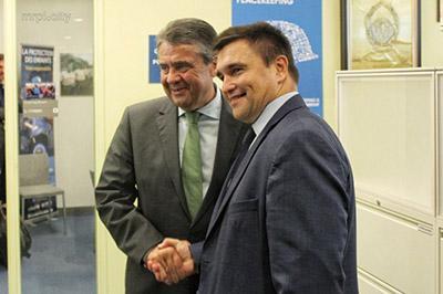 Главы МИД Германии и Украины посетят Донбасс
