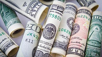 Доллар на праздники оторвался как мог: чего ждать до конца января
