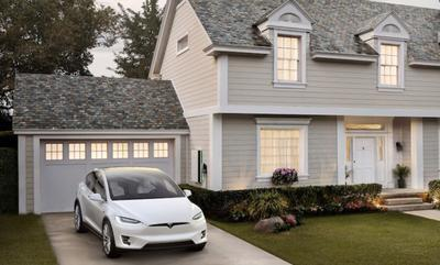 """Tesla начала серийное производство """"солнечной черепицы"""""""