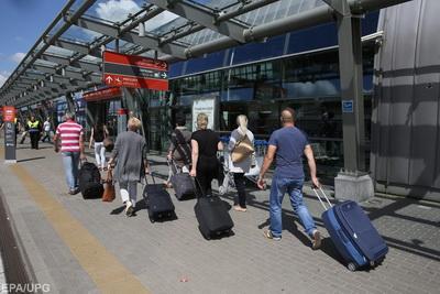 Чем опасен массовый выезд украинцев на работу за границу