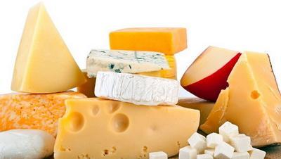 Почти 100% сыров в Украине – фальсификаты