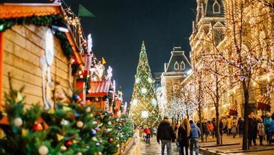 Захарова: Многие, кто приезжал в праздничные дни с Украины в Москву, проявляли желание остаться на подольше
