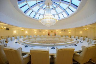 Выгодно Украине: появилось неожиданное объяснение тупика в переговорах по Донбассу
