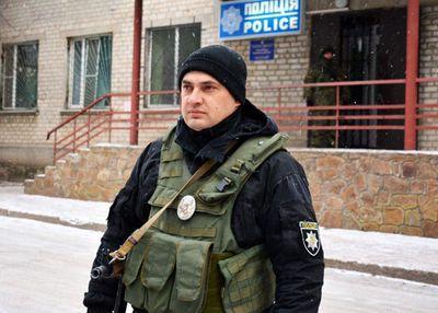 На Донетчине полицейский спас прохожего