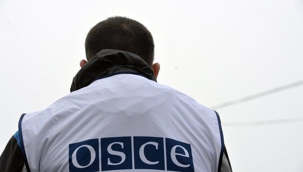 СММ ОБСЕ ненадолго пустили к границе у Изварино и Новоазовска