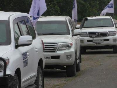 Геращенко о наблюдателях ОБСЕ: Ездят только по асфальту
