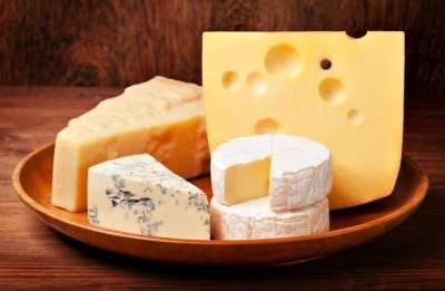 Названа неожиданная опасность сыра