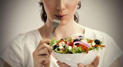 5 вещей, которые ни в коем случае нельзя делать после еды