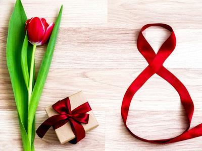 8 марта – праздник или нет?