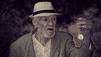 Медики выяснили, в каком возрасте люди начинают стареть