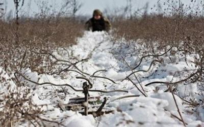 АТО: Боевики продолжают обстрелы, один военный получил ранения