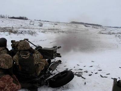 На Донбассе за сутки получили ранения два украинских военных – штаб АТО