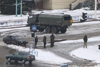 «Они просто издеваются»: боевики ввели новые ограничения для жителей Луганска