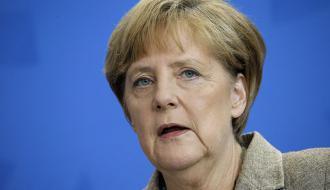 У здания бундестага неизвестный пытался напасть на Меркель