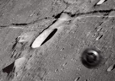 На снимках поверхности Луны нашли колесо
