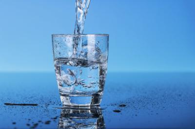 Медики объяснили, почему нельзя повторно кипятить воду