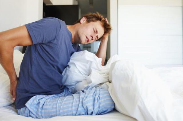 Самую лучшую позу для долгого и здорового сна назвали ученые