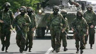 """Выкидывают нас на улицу: российские военные жалуются на """"теплый"""" прием в Донецке"""