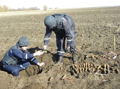 Мины и снаряды нашли на подконтрольной части Луганщине