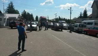 На границе Украины с ЕС образовались заторы из автомобилей