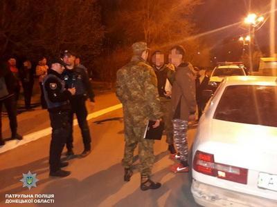 В Мариуполе мужчину обстреляли из проезжавшей мимо машины