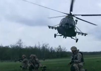 Украинский десант показал свою помощь в районе АТО: потрясающее видео