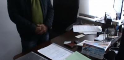 """В Луганске боевики ЛНР """"кинули на подвал"""" очередного """"должностного лица"""" за коррупцию. ВИДЕО"""