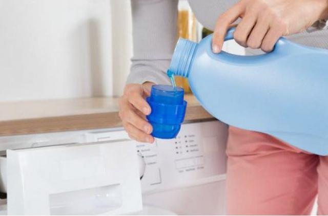 Шесть неожиданных вещей, которые нельзя стирать в машинке