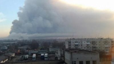 К тушению складов в Балаклее привлекли авиацию: полиция и ГСЧС поделились последними новостями с места пожара