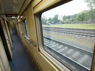 """Под наблюдением: в поездах """"Укрзалізниці"""" появятся камеры"""