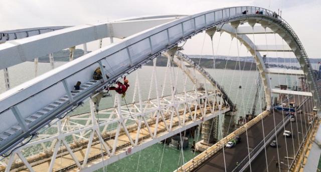 Геращенко: «Крымский мост достанется Украине»