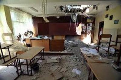 Омбудсмен предлагает переместить школы на Донбассе на безопасное расстояние от зоны обстрелов