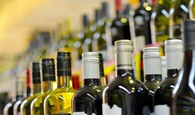 За продажу алкоголя детям в Украине теперь штраф почти 7 000 гривень