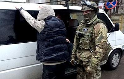 В Ровно задержали наркоторговцев, выдававших себя за военнослужащих ВСУ