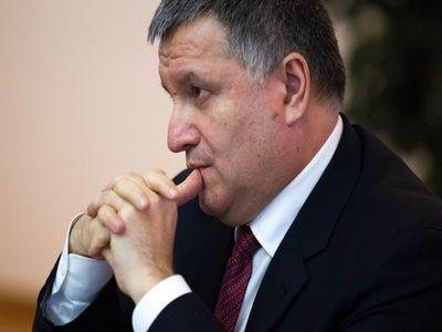 Аналитик похвалил Авакова, который снова похоронил минские соглашения по Донбассу