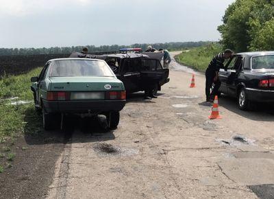 На Донбассе авто пошли лоб в лоб: есть пострадавшие
