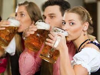 Люди, которые воздерживаются от алкоголя, болеют чаще алкоголиков