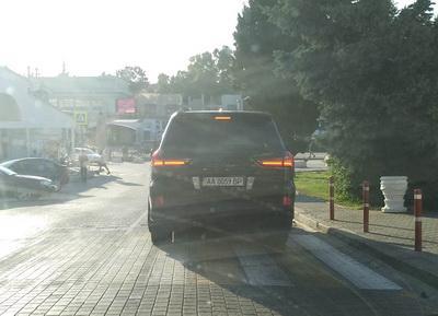 В аннексированном Крыму заметили машину с номерами Верховной Рады