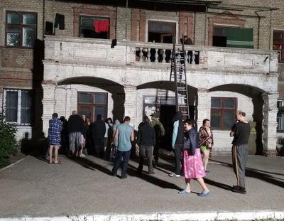 Донбасс: горело общежитие, есть жертвы