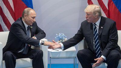 """Политолог заявил, что Трамп и Путин хотят """"впихнуть"""" Донбасс обратно в Украину на кремлевских условиях"""
