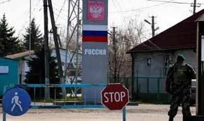 РФ перекрыла автомобильную границу для Украины - на КПП сотни машин застыли в ожидании