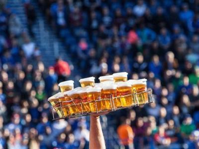 """УЕФА """"амнистировала"""" пиво"""