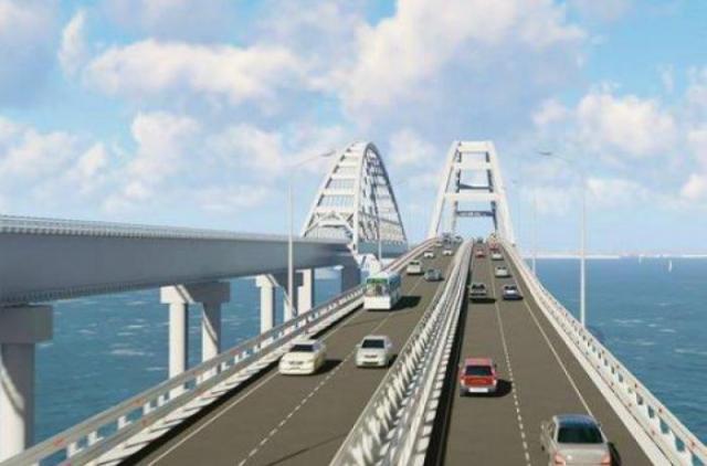РосСМИ: Крымский мост вот-вот рухнет, ездить по нему опасно