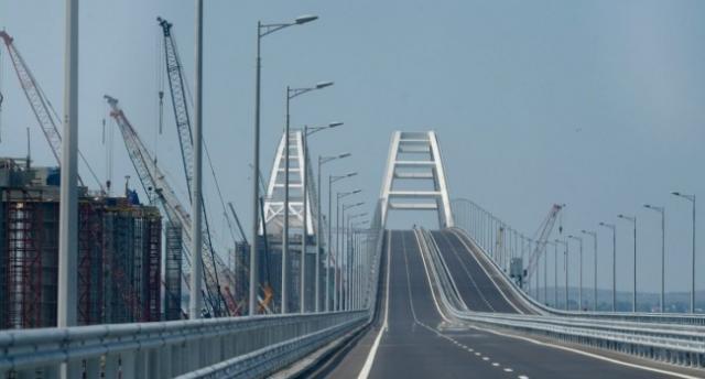 Омелян рассказал о впечатляющих убытках Украины от Крымского моста