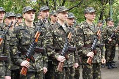 На фронт забирают подчистую! На оккупированной Луганщине идет повальный призыв в ряды боевиков