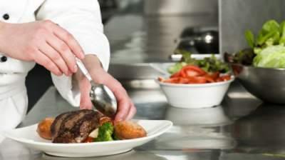 Названы типичные ошибки приготовления пищи, провоцирующие болезни