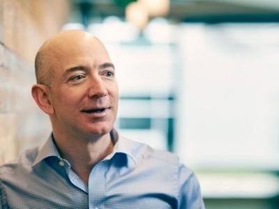 Основатель Amazon уделал всех толстосумов современности