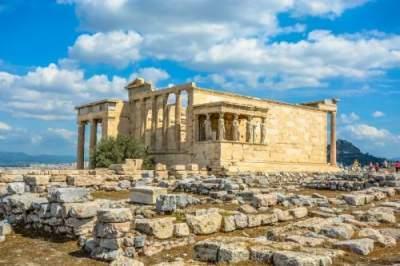В Греции раскопали древнюю гробницу с сокровищами